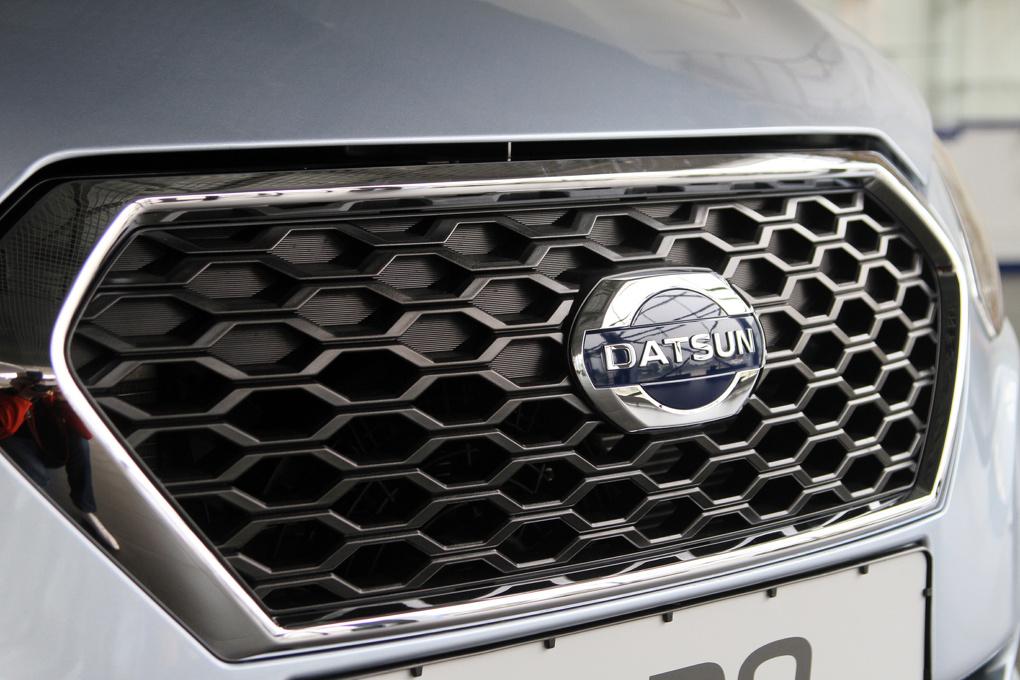 «Гранта»-суперлюкс: в Екатеринбург приехали бюджетные седаны Datsun on-DO