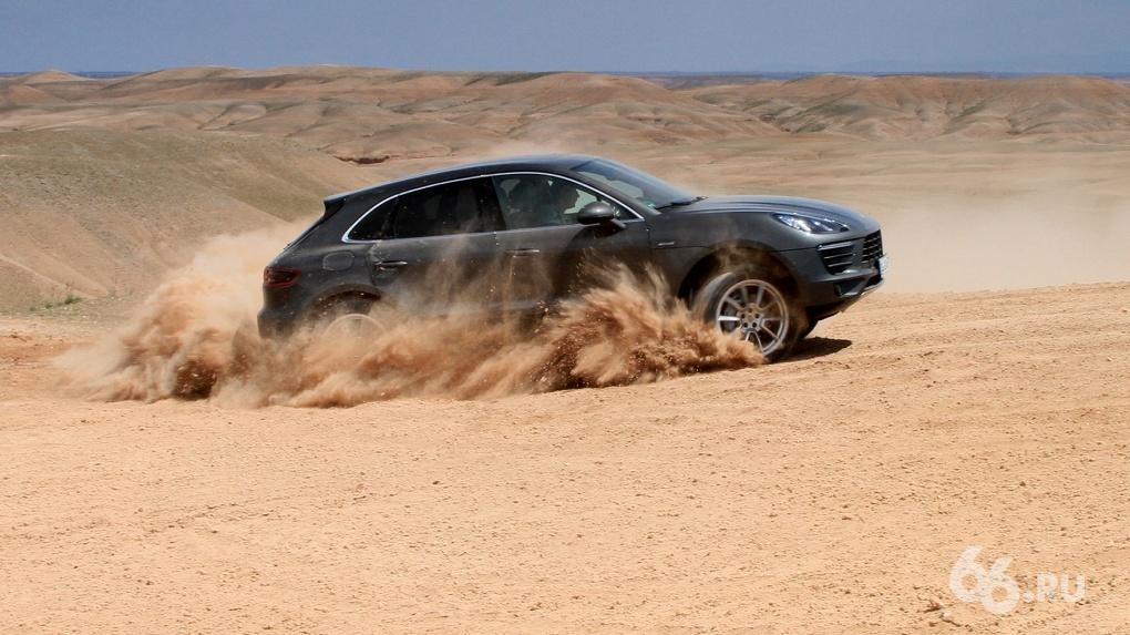Буря в пустыне: тестируем новый Porsche Macan в горах и песках Марокко
