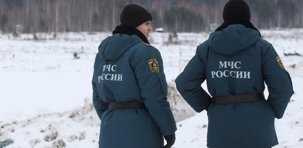 В повестке — паводок, пожары и массовые увольнения спасателей. В Екатеринбург срочно вылетел замминистра МЧС