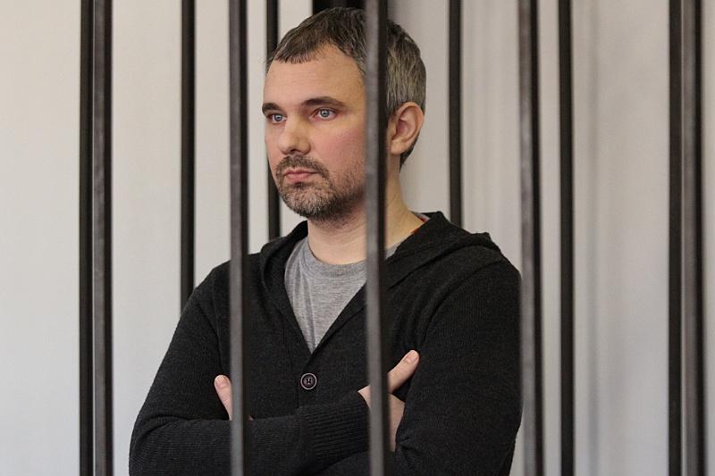 Прокурор требует закрыть Лошагина на 13 лет. Фотограф готовит последнее слово