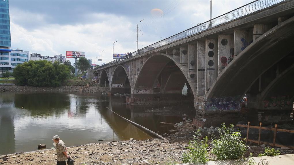 Макаровский мост вЕкатеринбурге закроют до23октября