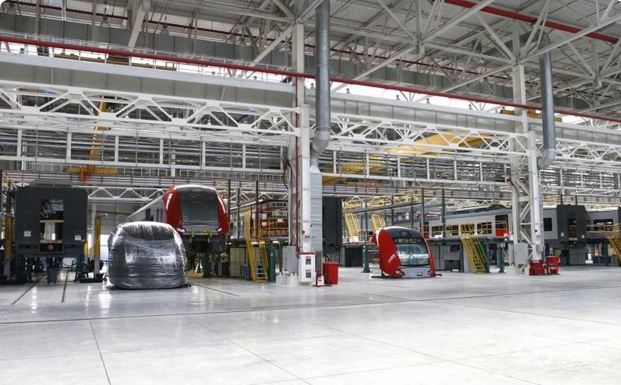 С завода «Уральские локомотивы» выпорхнула первая «Ласточка»