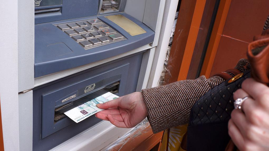 Сбербанк перевел дебетовые карты в статус овердрафтных