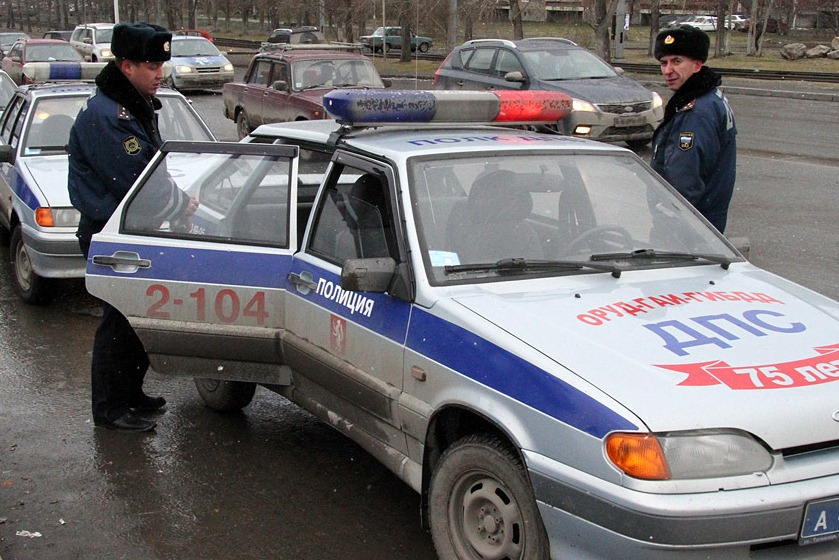 В Екатеринбурге сотрудники ГИБДД ловят водителей-должников