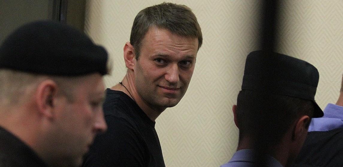 Суд арестовал Алексея Навального на 15 суток за организацию митинга «Он вам не Димон»