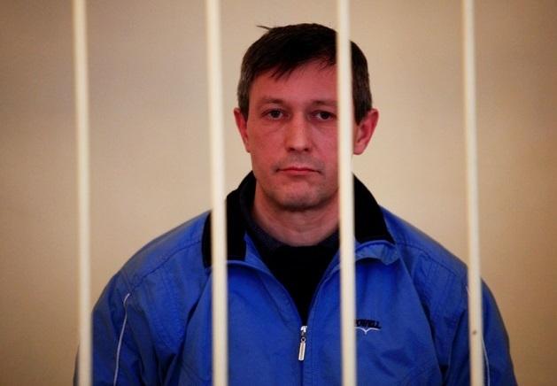 Выпустили по-тихому: экс-милиционер Мирошников все лето гуляет на свободе