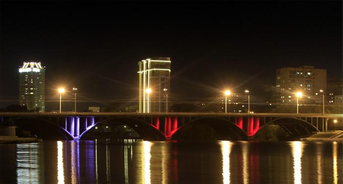 Макаровский мост опутывают многострадальными делинеаторами