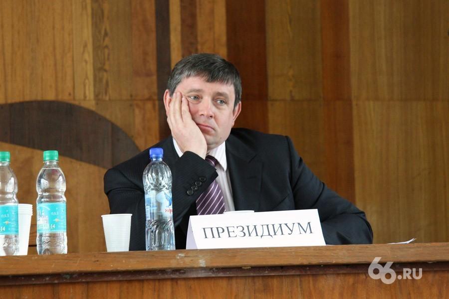 Виктор Кокшаров заработал больше всех из свердловских ректоров