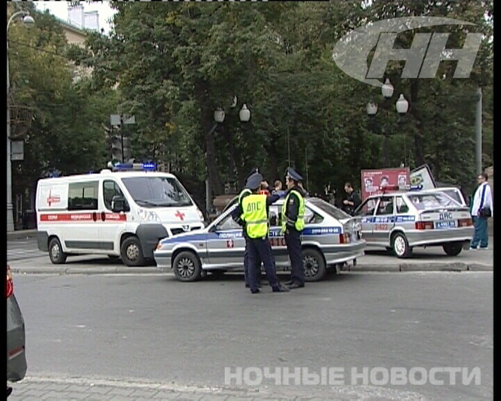 Nissan откинул Matiz на рекламные щиты на проспекте Ленина