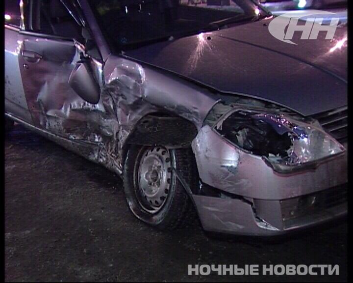 На заснеженной дороге Сортировки столкнулись две легковушки