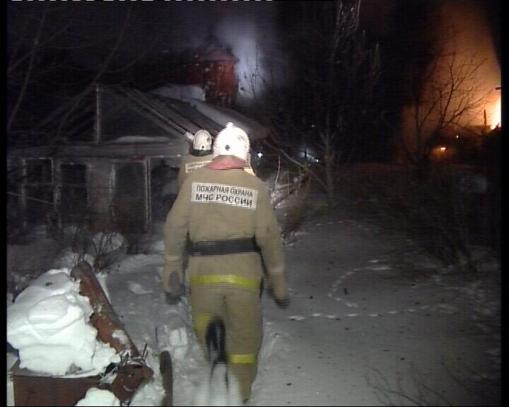 Два садовых домика загорелись в коллективном саду близ Екатеринбурга