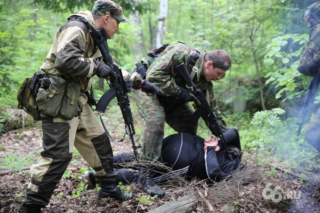 В лес за зэками: под Первоуральском ловили «сбежавших бандитов»