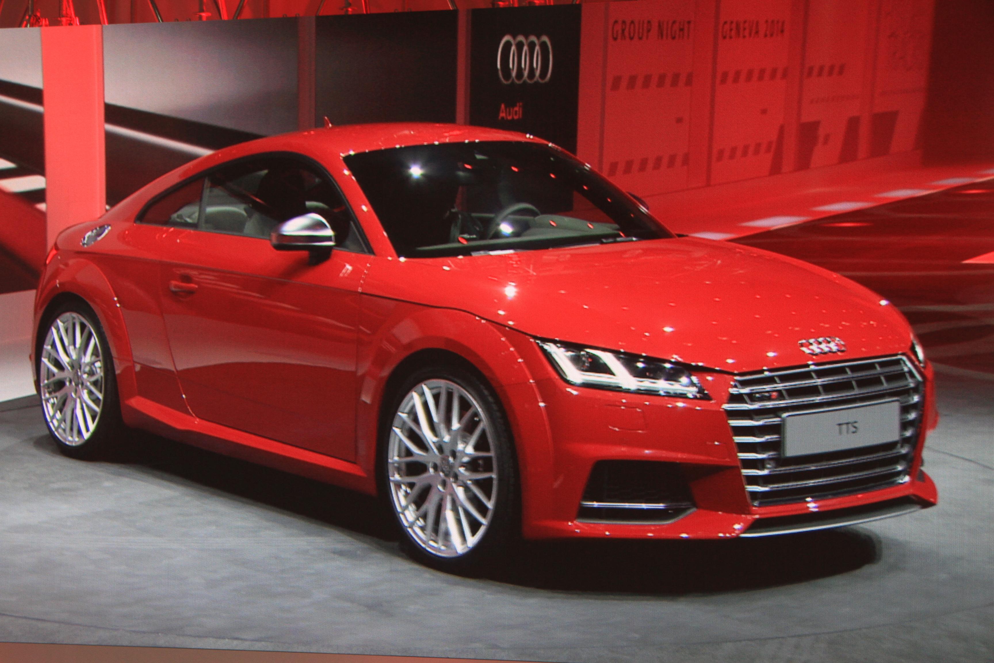 Полная обойма: Audi показала купе ТТ третьего поколения