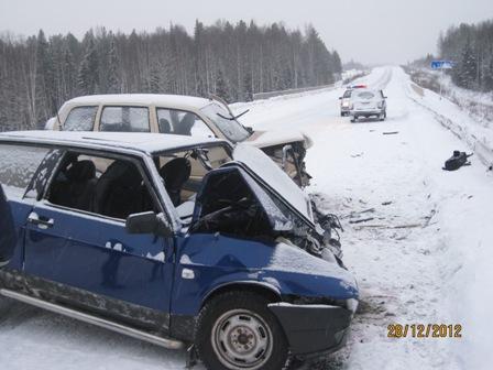 Три человека пострадали в столкновении Chevrolet и ВАЗ под Качканаром