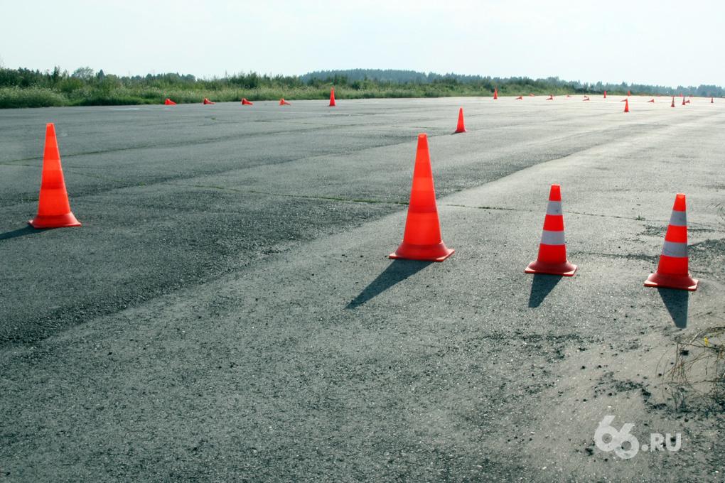 Шапито с правами: новые программы для автошкол могут появиться только осенью
