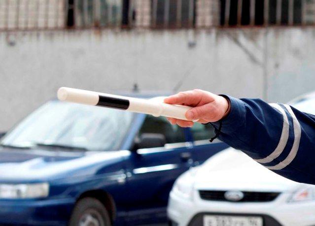 ГИБДД просит жаловаться на плохих инспекторов по телефону доверия