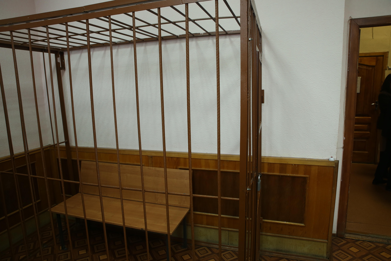 Налетчики, ограбившие четыре ювелирных салона в Екатеринбурге, получили от 6 до 16 лет колонии