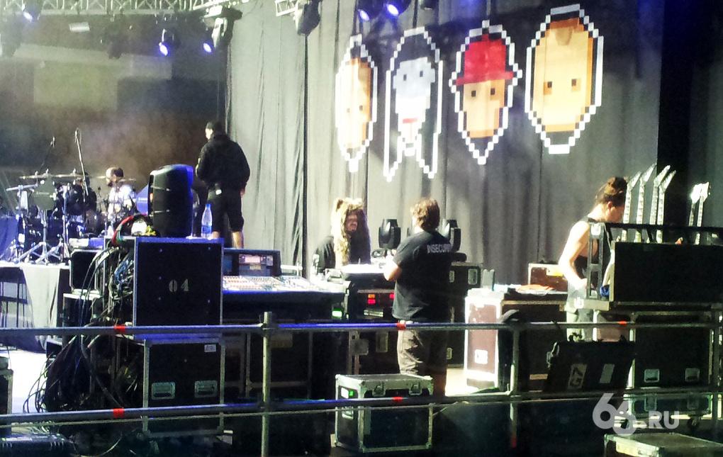 Стар? Суперстар. Смотрим за кулисы концерта Limp Bizkit в Екатеринбурге