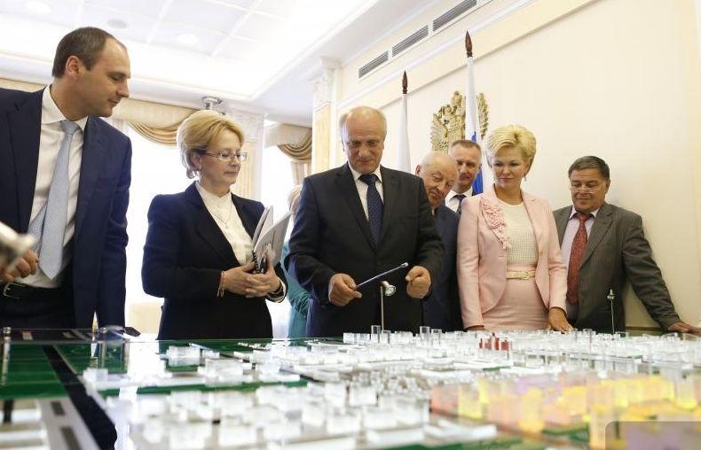 Федеральный министр одобрила проект медицинского наукограда в Академическом
