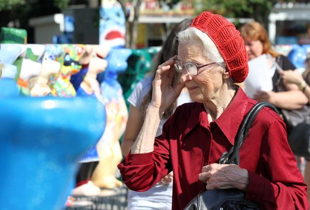 Минтруд сэкономит на женщинах: пенсионерки станут получать на 20% меньше мужчин