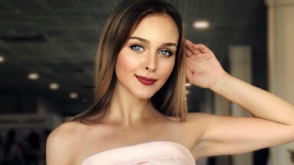 «Мисс Екатеринбург» стала студентка Архитектурного университета. 10 образов и цитат из ее Instagram