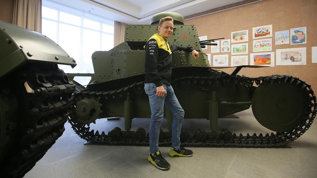«Какой я на фиг танкист»: трехкратный чемпион WoT — о реальных танках, физподготовке и пользе мата