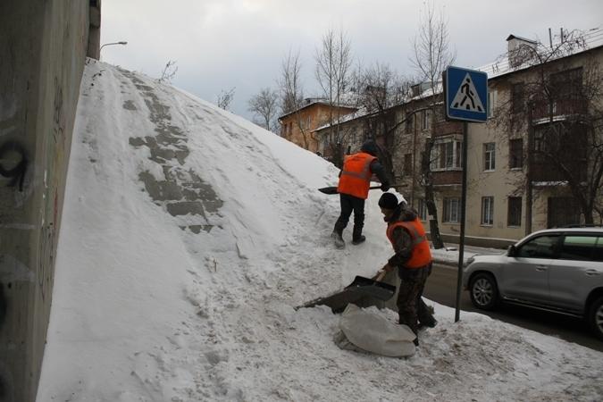 В Екатеринбурге нашли и уничтожили первую за эту зиму опасную горку