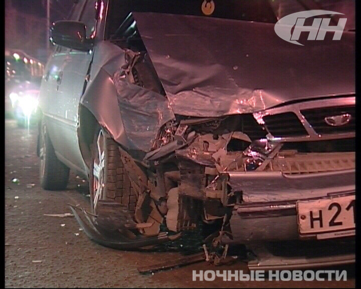 Возле Южного автовокзала Peugeot врезался в Daewoo Nexia