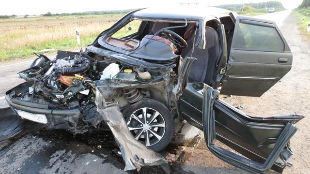В ДТП под Каменском-Уральским пострадали двое взрослых и ребенок