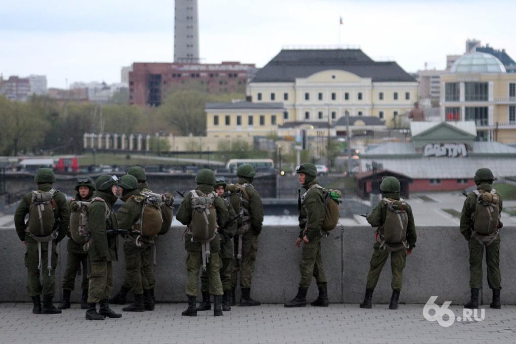 Минобороны открестилось от идеи призыва женщин в армию