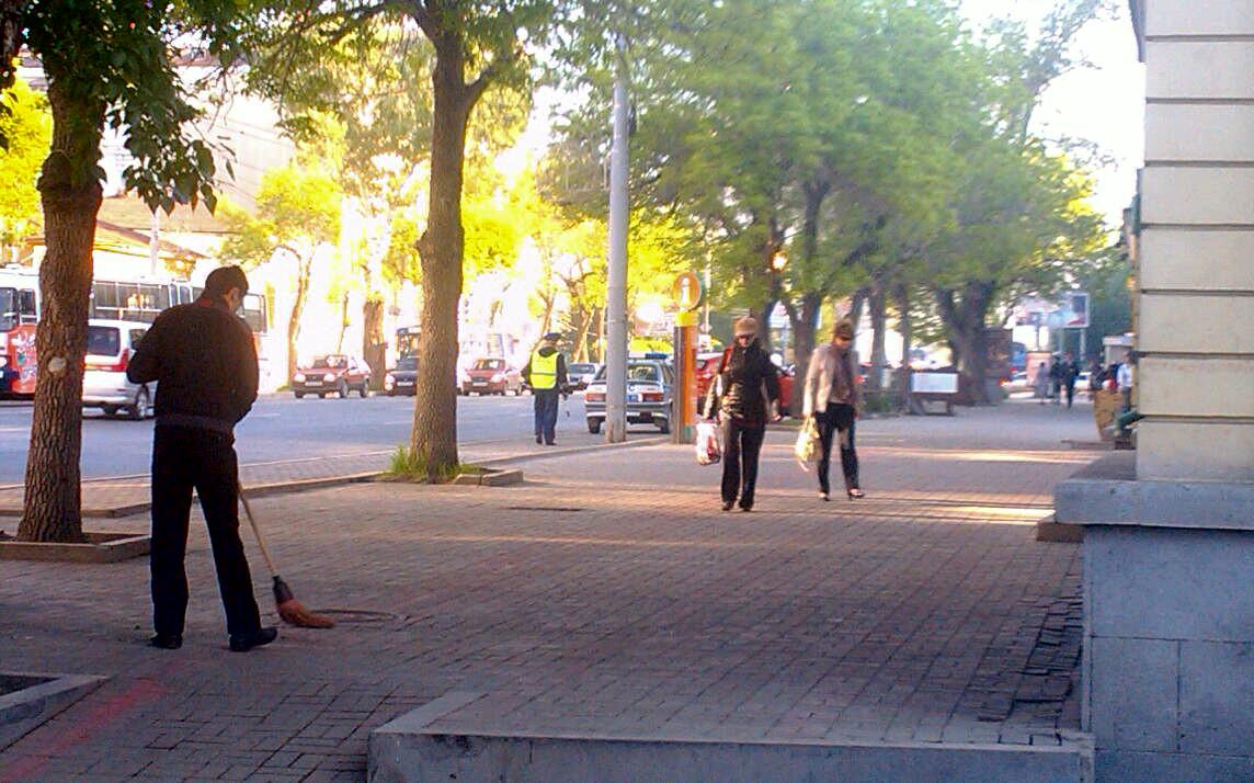 Екатеринбург продолжают зачищать от автомобилистов