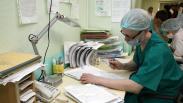 Домой приходят только поспать: хирурги из Екатеринбурга рассказали, на каких условиях приехали в Тагил