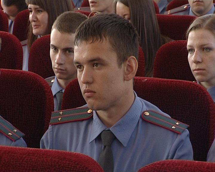 Свердловская полиция пополнилась зелеными лейтенантами