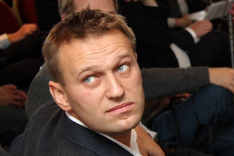 Следственный комитет допросил Навального без его участия