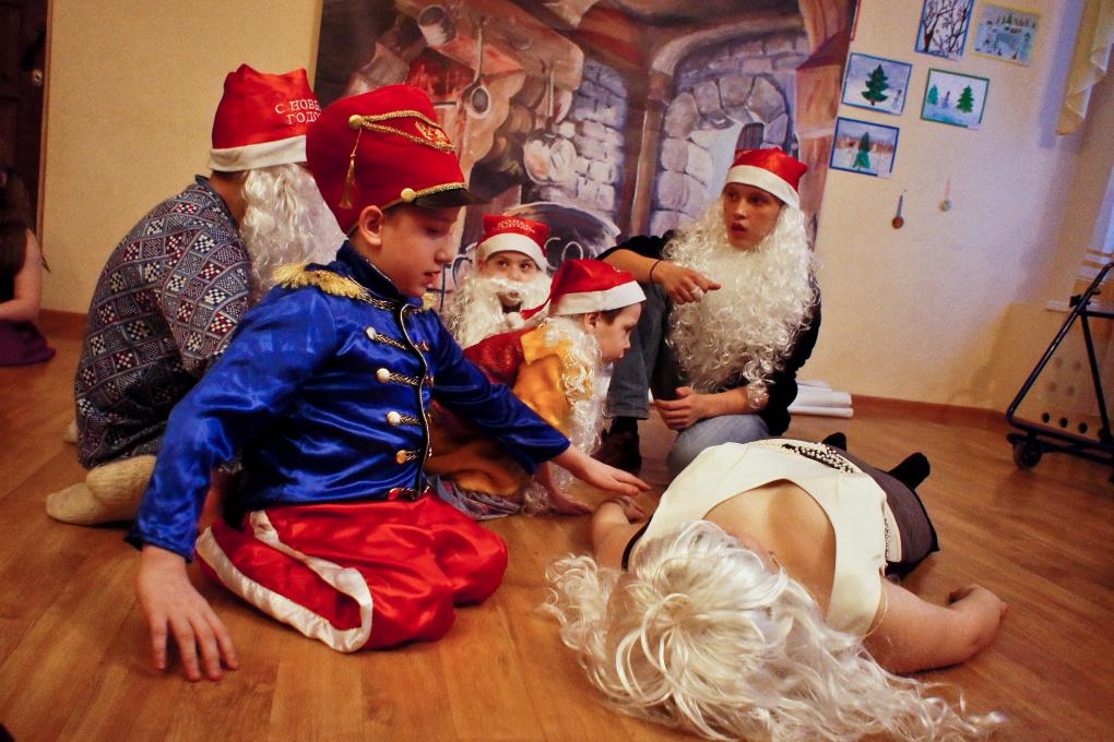 Сказка вопреки. Дети-герои сыграли поэтический мюзикл «Белоснежка»