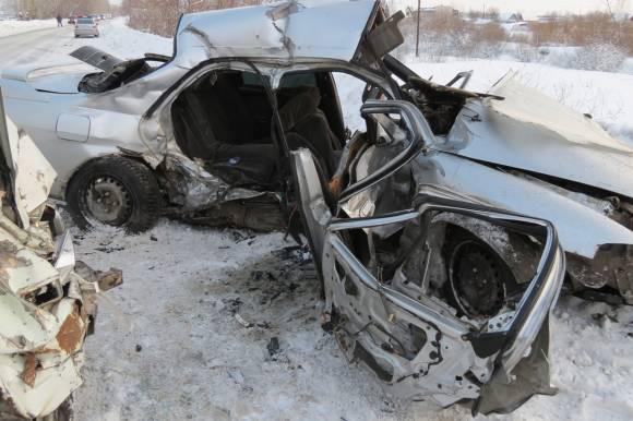 В ДТП под Каменском-Уральским погиб водитель