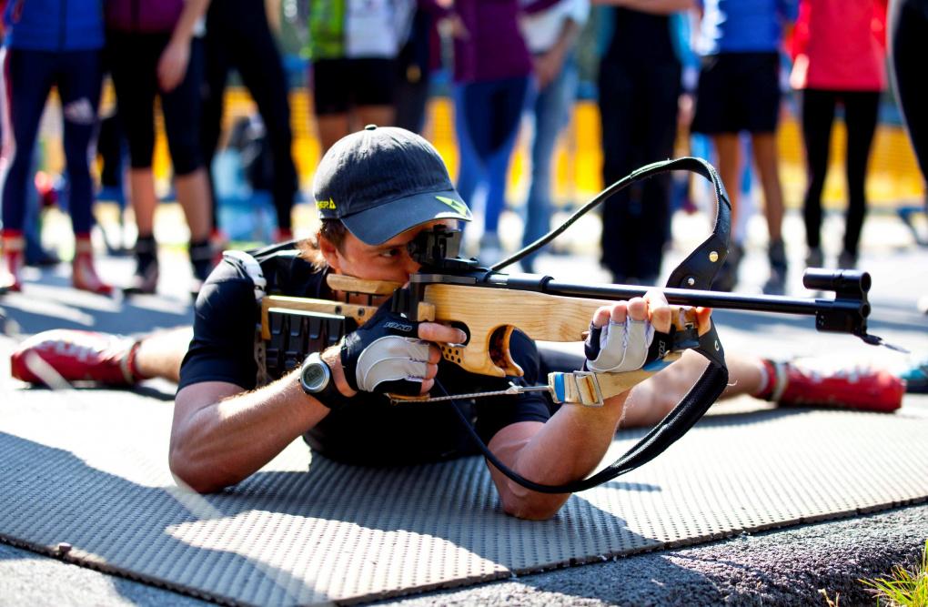 Перед началом учебного года екатеринбуржцев научили стрелять