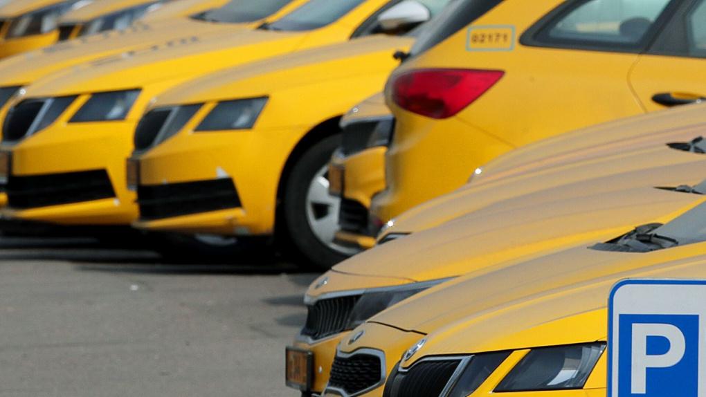 В России до конца года запустят беспилотное такси