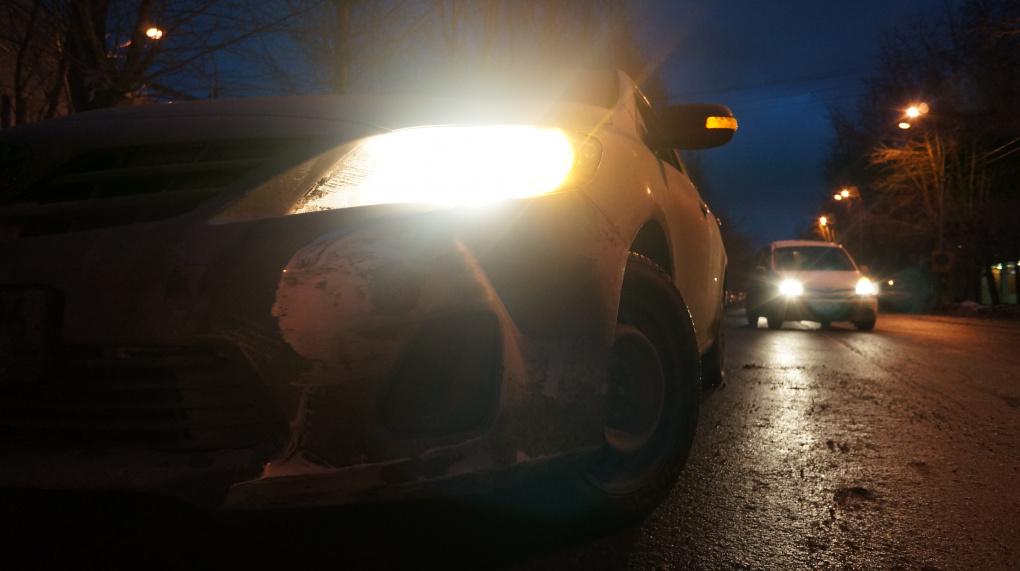 В Екатеринбурге в аварию попала новая и незастрахованная Mazda