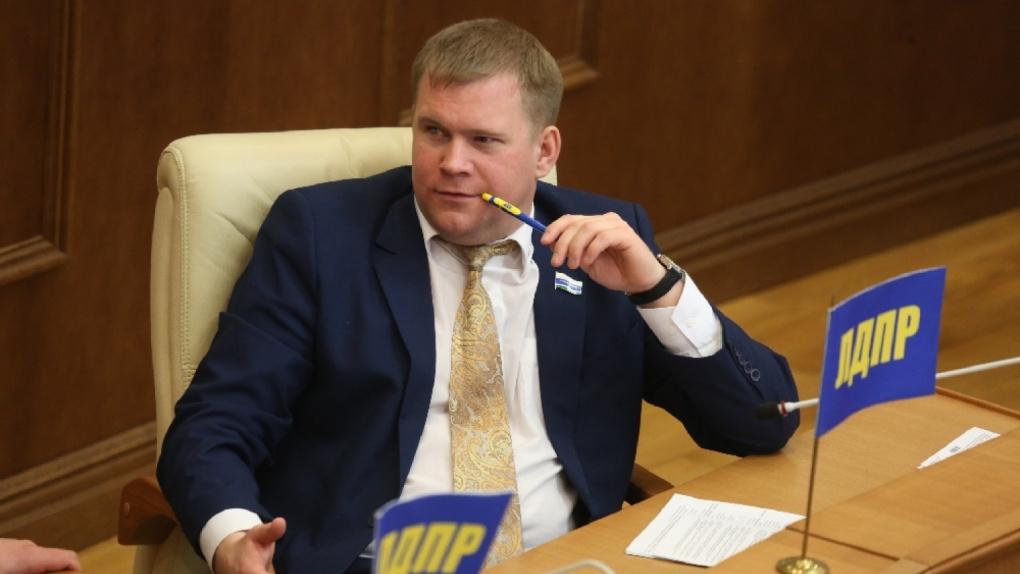 Свердловский депутат «болел» два месяца и избежал уголовного наказания за убийство человека