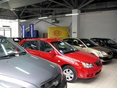 Автомобили в салонах Екатеринбурга начали дорожать