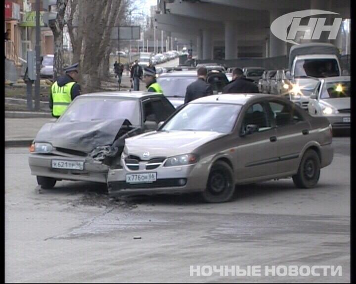 На Большакова — Московской Nissan и ВАЗ не поделили дорогу