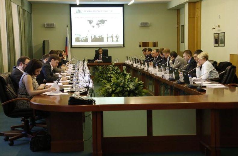 На «Иннопроме-2014» покажут стол, подзаряжающий гаджеты