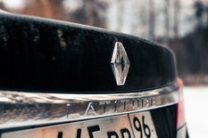 Renault Latitude: зрелый Logan во фраке