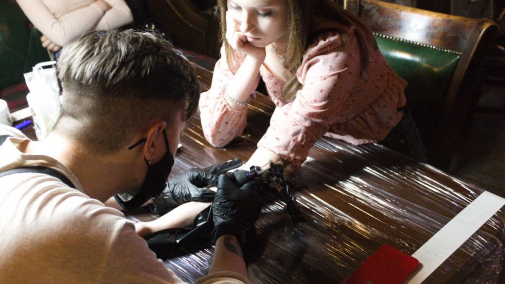 В Екатеринбурге открылся первый тату-коворкинг