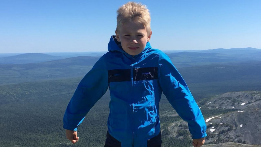 Девятилетнего мальчика, который пропал в тайге на севере области, нашли живым