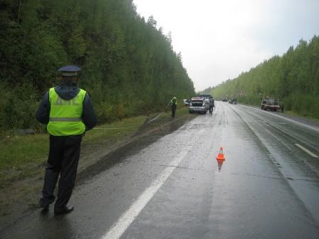 За сутки со свердловских дорог в кюветы вылетели два автомобиля