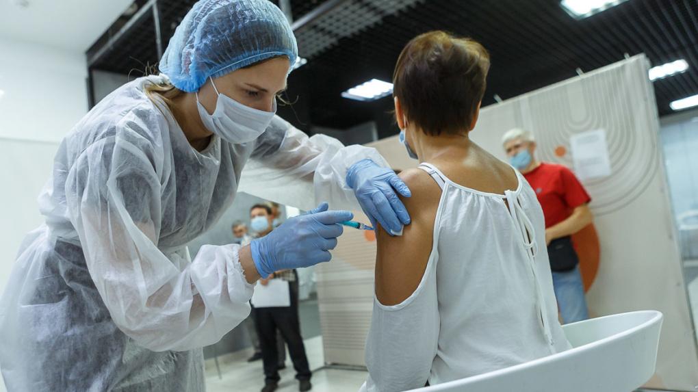 Коллективный иммунитет в России достиг 60%. Этого хватит для победы над коронавирусом?