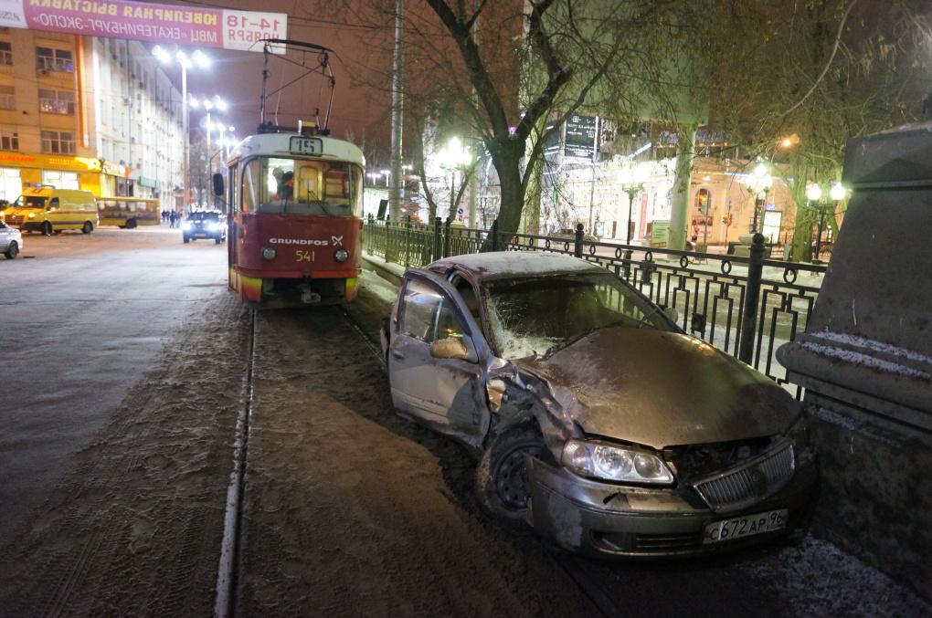 В жутком ДТП на Ленина серьезно пострадала беременная женщина