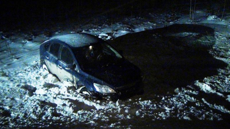 В Екатеринбурге пьяный водитель, пытаясь удрать от ДПС, улетел в кювет